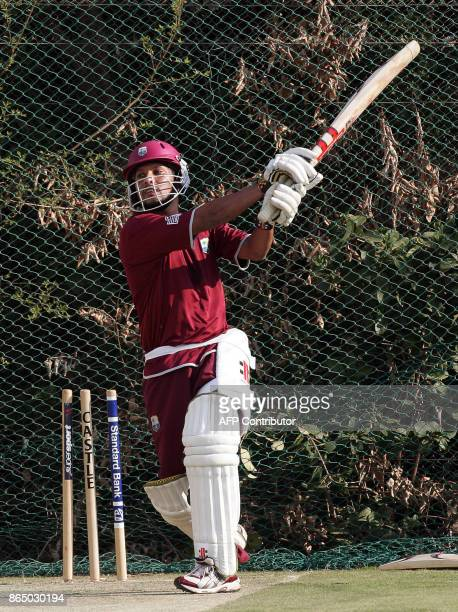 West Indies cricket captian Ramnaresh Sarwan plays a shoot during training in Centurion 05 September 2007 for the ICC World Twenty20 2007 Cup to be...