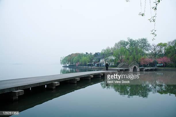 west lake,hangzhou,zhejiang province,china - west lake hangzhou stock pictures, royalty-free photos & images