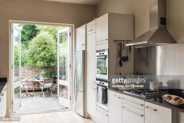 west london victorian terrace - image stock pictures, royalty-free photos & images