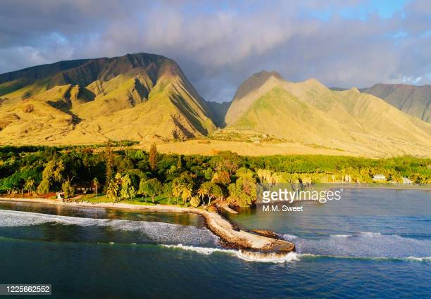 west maui mountains - lahaina stock pictures, royalty-free photos & images