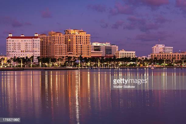 west palm beach, florida, exterior view - ウェストパームビーチ ストックフォトと画像