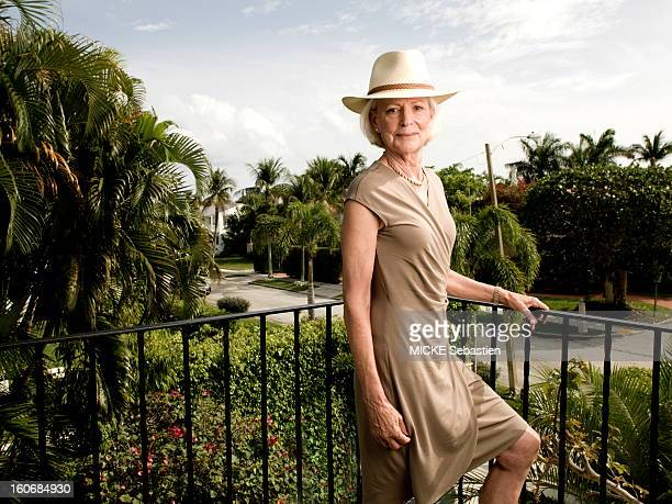 West Palm Beach Sunday February 5 2012 meeting with Mimi ALFORD student of the JFK attitude smiling face of Mimi a hat Now retired she and her...