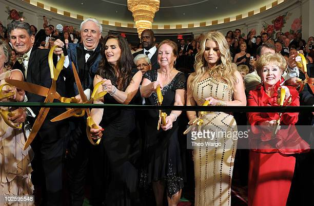 West Virginia Governor Joe Manchin, Owner and Chairman of The Greenbrier Jim Justice, Brooke Shields, Cathy Justice, Jessica Simpson and Debbie...