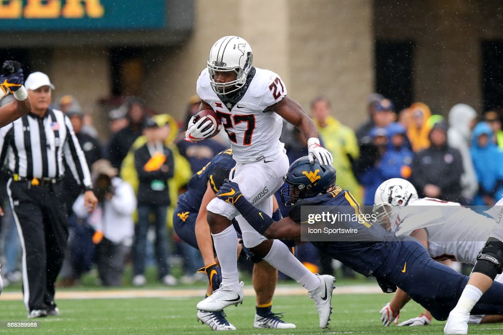 COLLEGE FOOTBALL: OCT 28 Oklahoma State at West Virginia : News Photo