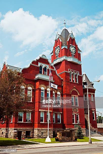 usa, west virginia, parsons, facade of old courthouse - protohistory_of_west_virginia stock pictures, royalty-free photos & images