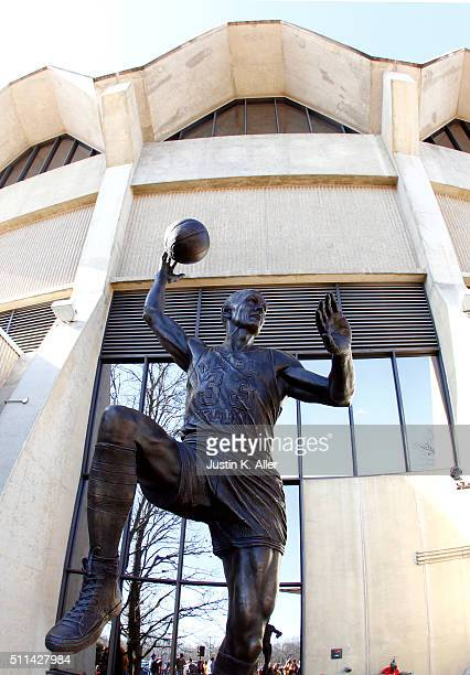 """West Virginia University unveiled a statue of Rodney Clark """"Hot Rod"""" Hundley in his honor before the game against the Oklahoma Sooners at the WVU..."""