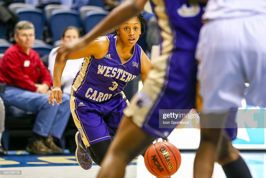 NCAA BASKETBALL: JAN 19 Women's - Western Carolina at Chattanooga : News Photo