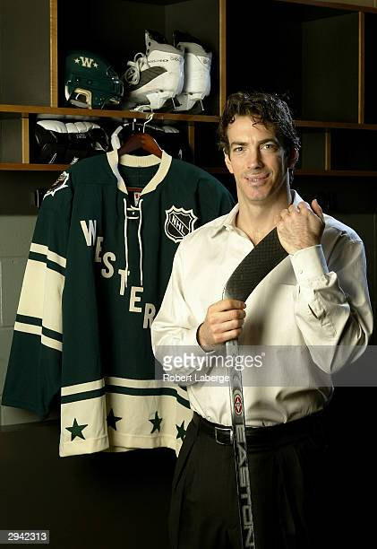 Western Conference All Star Joe Sakic of the Colorado Avalanche poses during the NHL AllStar portrait session on February 7 2004 at the Xcel Energy...