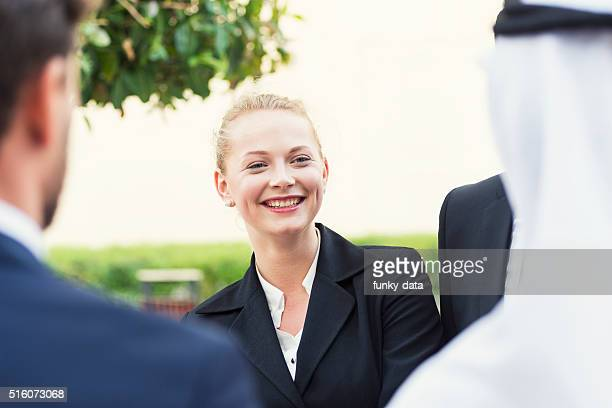 western expat woman in dubai - expatriate stock pictures, royalty-free photos & images