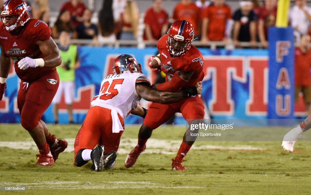 COLLEGE FOOTBALL: NOV 10 Western Kentucky at FAU : News Photo
