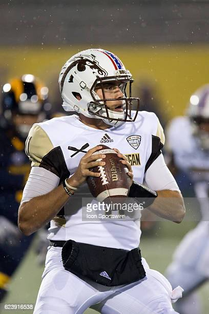 Western Michigan Broncos QB Zach Terrell looks to pass during the first quarter of the NCAA Football game between the Western Michigan Broncos and...
