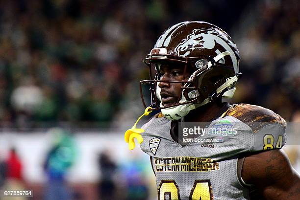 Western Michigan Broncos Wide Receiver Corey Davis runs back to the sidelines during the MAC Championship game between the Ohio Bobcats and the...