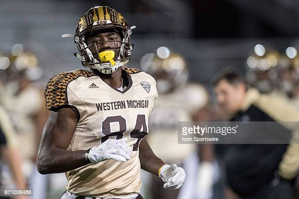 Western Michigan Broncos wide receiver Corey Davis warms up before the NCAA football game between the Ball State Cardinals and Western Michigan...