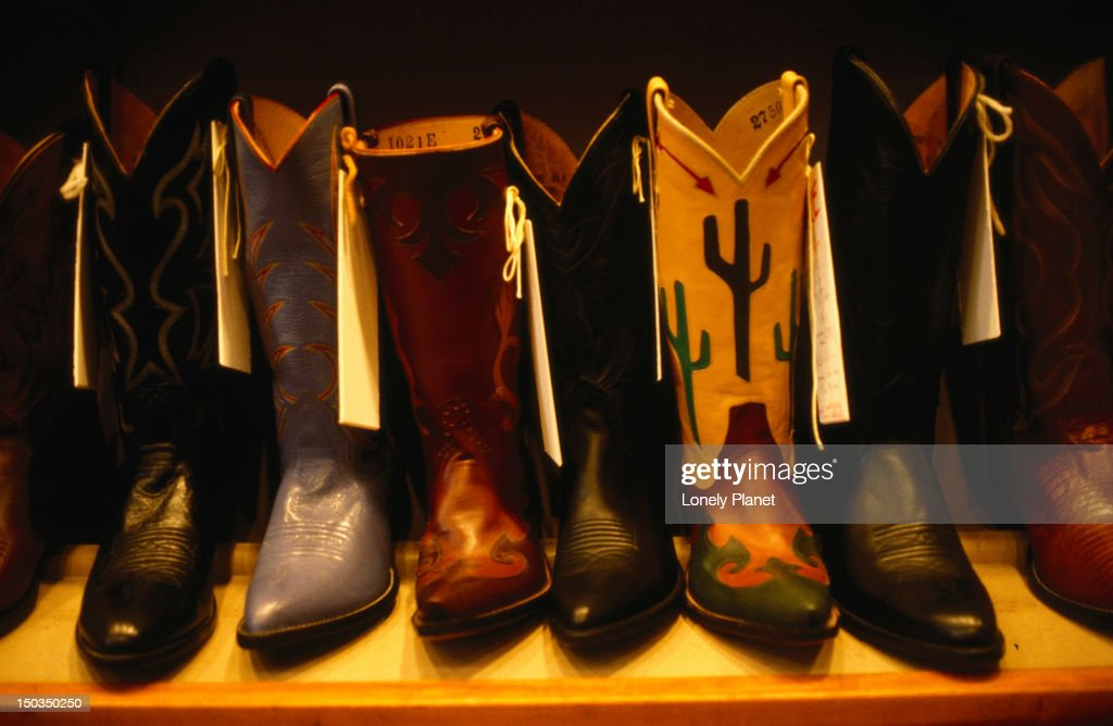 007536066 Western wear and cowboy boots are a specialty of El Paso shop in Boston    Stock