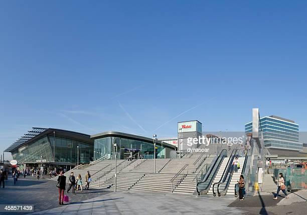 westfield shopping centre entrada, londres - estação - fotografias e filmes do acervo