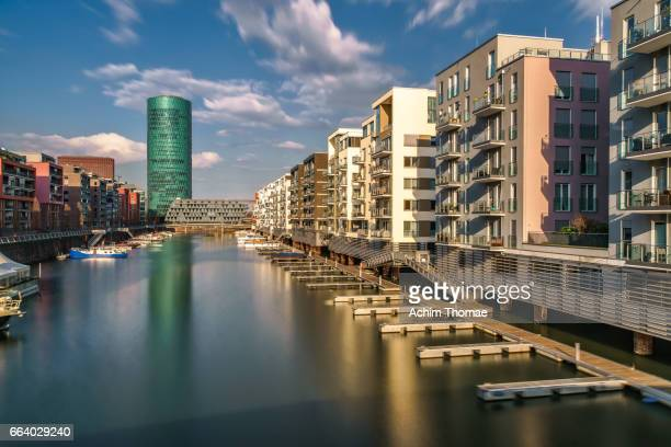 westhafen, frankfurt am main, germany, europe - spiegelung stock pictures, royalty-free photos & images
