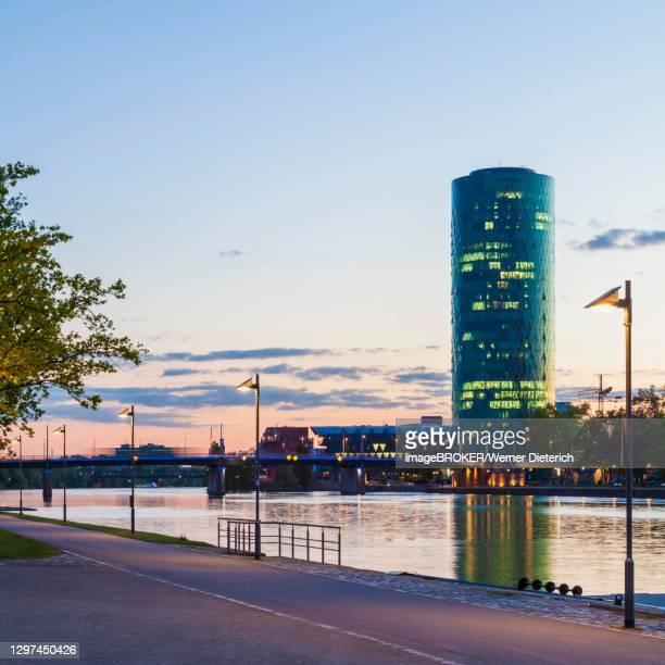 westhafen tower, office building, high-rise, main, frankfurt am main, hesse, germany - frankfurt main bildbanksfoton och bilder