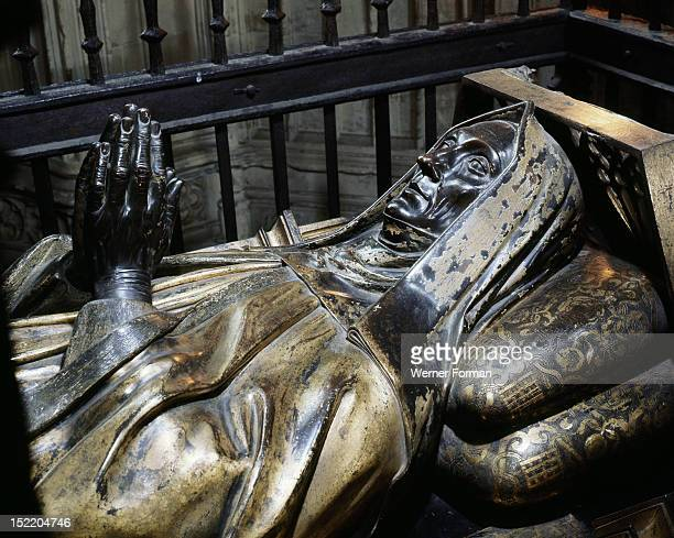 Westminster Abbey Gilt bronze tomb effigy of Lady Margaret Beaufort Countess of Richmond the mother of Henry VII Made by Pietro Torrigiano in 1511...