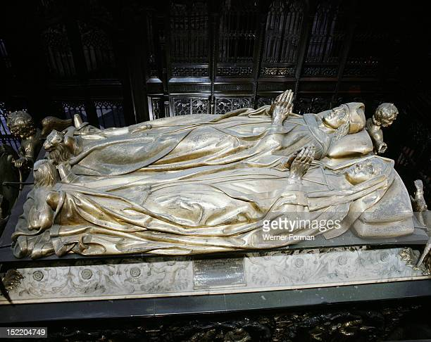 Westminster Abbey Tomb of Henry VII and Elizabeth of York in Henry VIIs Chapel Made by the Florentine sculptor Pietro Torrigiano England 16th century...
