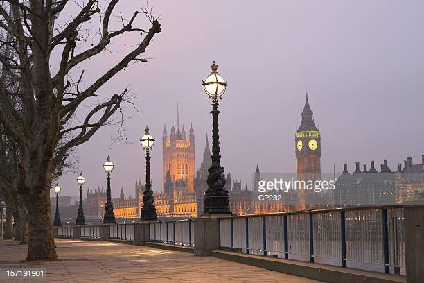 Westminster im Morgengrauen, London
