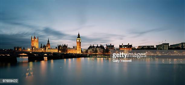 westminster and houses of parliament panoramic - yeowell foto e immagini stock