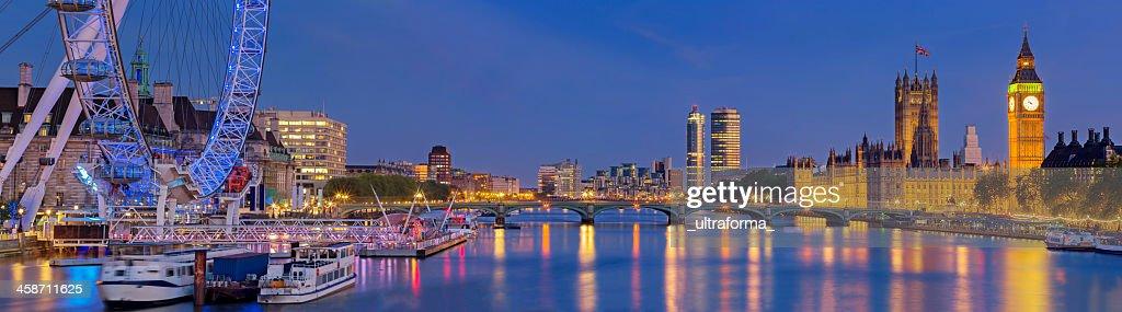 Westminster Bridge panorama : Stock Photo