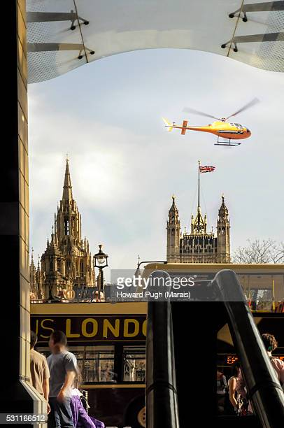 westminster palace sightseeing by london transport - howard pugh stock pictures, royalty-free photos & images