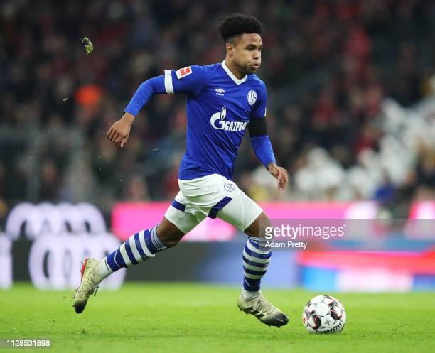 Weston McKennie of FC Schalke 04 controls the ball during the Bundesliga match between FC Bayern Muenchen and FC Schalke 04 at Allianz Arena on...