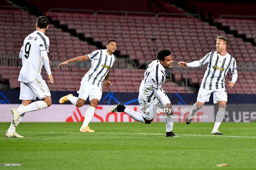 FC Barcelona v Juventus: Group G - UEFA Champions League : News Photo