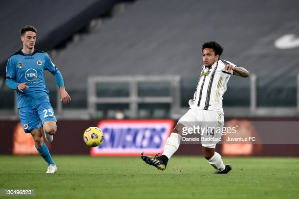 Weston McKennie of Juventus competes for the ball Giulio Maggiore of AC Spezia during the Serie A match between Juventus and Spezia Calcio at Allianz...