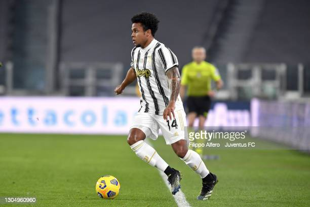 Weston McKennie of Juventus controls the ball during the Serie A match between Juventus and Spezia Calcio at Allianz Stadium on March 02, 2021 in...