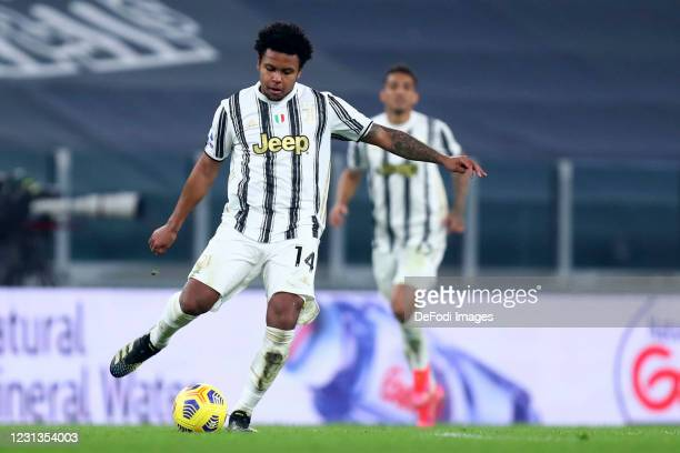 Weston McKennie of Juventus FC controls the ball during the Serie A match between Juventus and FC Crotone at on February 22, 2021 in Turin, Italy....