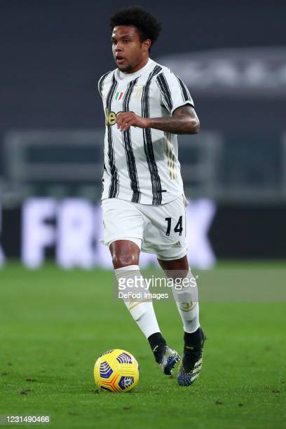 Weston McKennie of Juventus FC controls the ball during the Serie A match between Juventus and Spezia Calcio at Allianz Stadium on March 2, 2021 in...