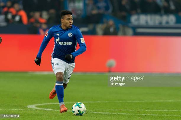 Weston McKennie of Schalke controls the ball during the Bundesliga match between FC Schalke 04 and Hannover 96 at VeltinsArena on January 21 2018 in...