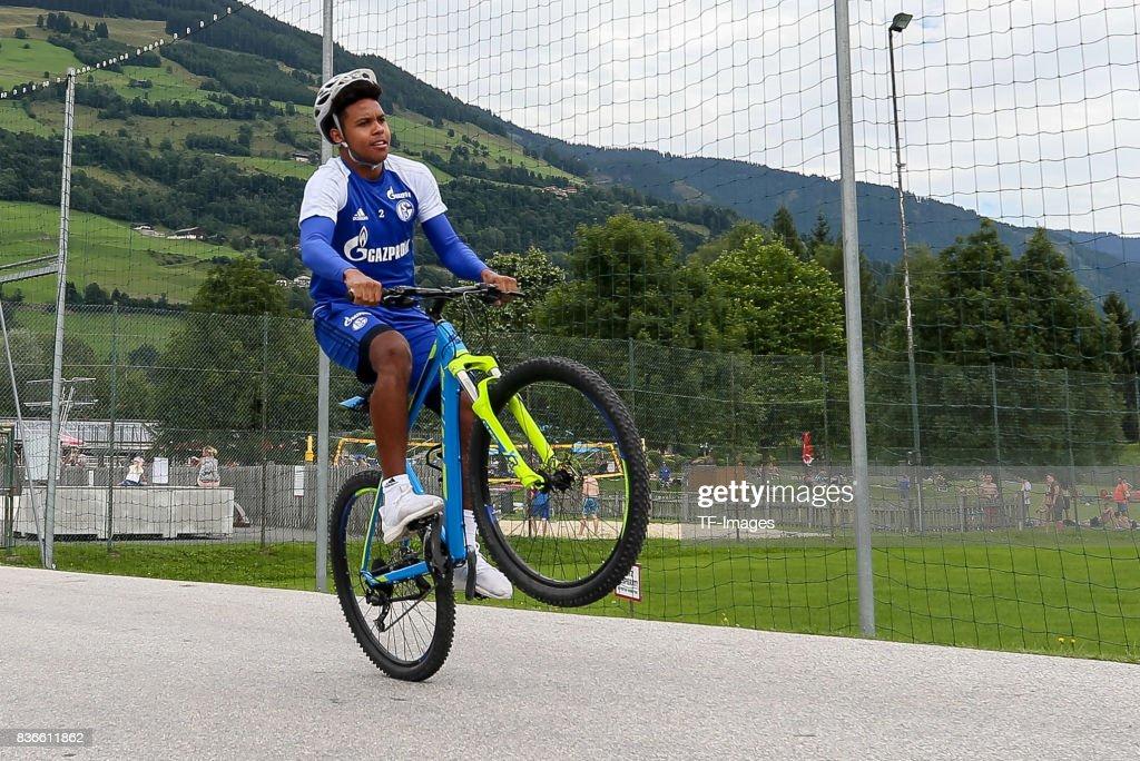 Schalke 04 Training Camp : News Photo