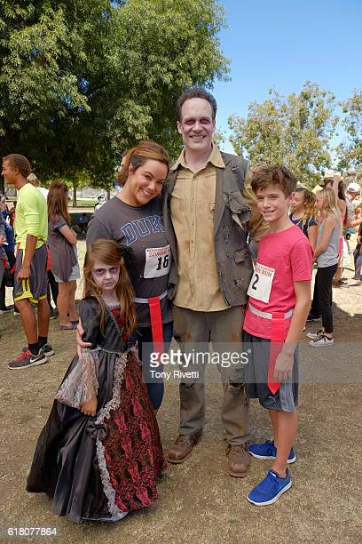 HOUSEWIFE Westport Zombies Katie jealous of Taylor's friendship with neighbor Viv reluctantly competes in the Westport Halloween Zombie Run after she...