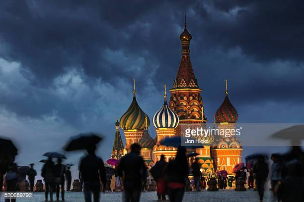 a wet evening in red square. - moscow russia stock pictures, royalty-free photos & images