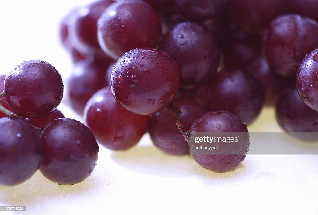 「Wet (ウェット)」の赤ブドウ 1 : ストックフォト