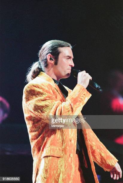 Wet Wet Wet, music group, in concert, NEC, Birmingham, 3rd July 1995. Lead singer, Marti Pellow.