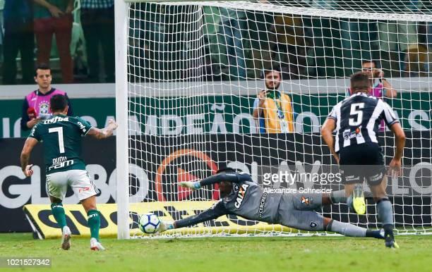 Weverton goalkeeper of Botafogo makes a save during the match between Palmeiras and Botafogo for the Brasileirao Series A 2018 at Allianz Parque...