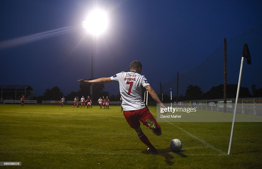 Wexford , Ireland - 1 August 2016; A general view of Conan Byrne of St.Patrick's Athletic taking a corner kick against Wexford Youths during the SSE Airtricity League Premier Division match between Wexford Youths and St. Patrick's Athletic at Ferrycarrig Park in Wexford.