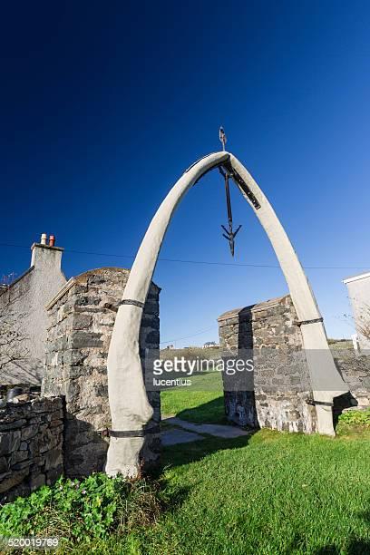 whalebone arch, lewis, escócia - pesca de baleia - fotografias e filmes do acervo