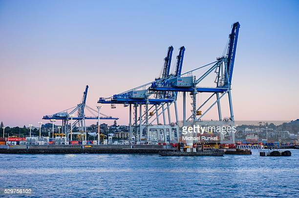 wharf in the harbour of auckland, north island, new zealand, pacific - docks stock pictures, royalty-free photos & images