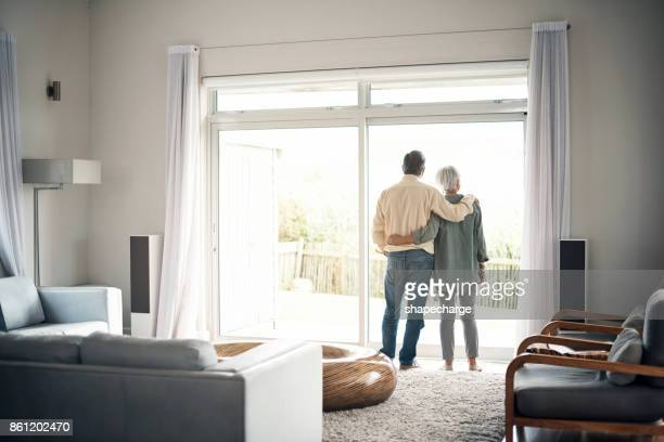 what better way to spend retirement? - at home imagens e fotografias de stock