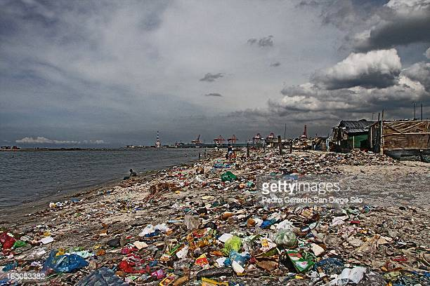 CONTENT] What once used to be a white sand beach in Manila is now littered with garbage