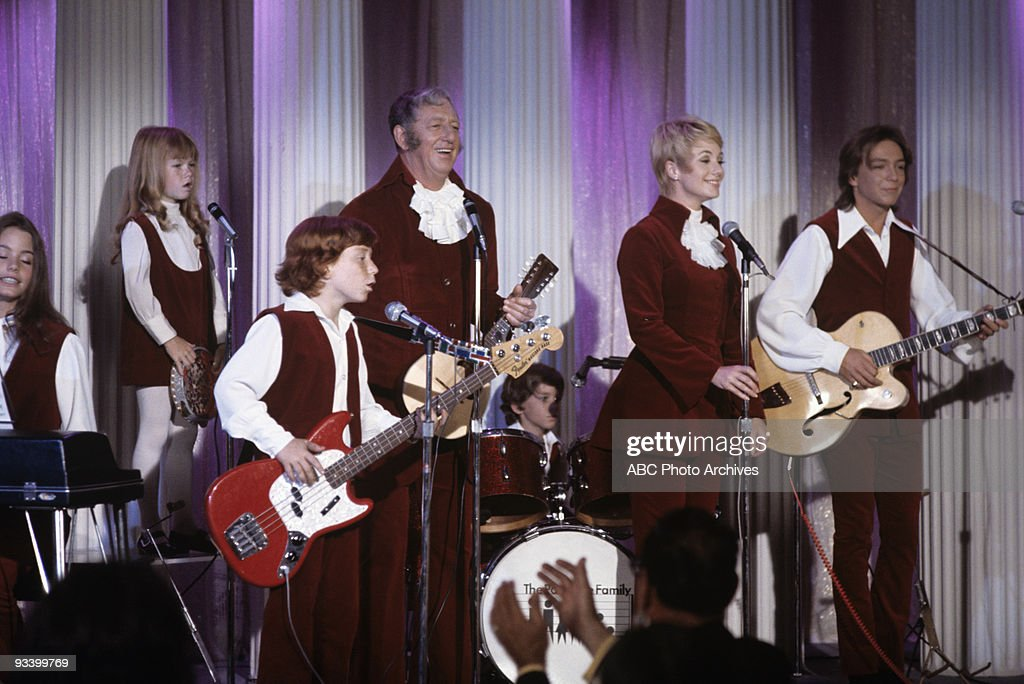 FAMILY - 'Whatever Happened to the Old Songs?' 10/9/70 Susan Dey, Danny Bonaduce, Suzanne Crough, Ray Bolger, Shirley Jones, David Cassidy
