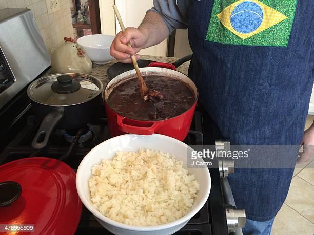 what's cooking? - feijoada imagens e fotografias de stock