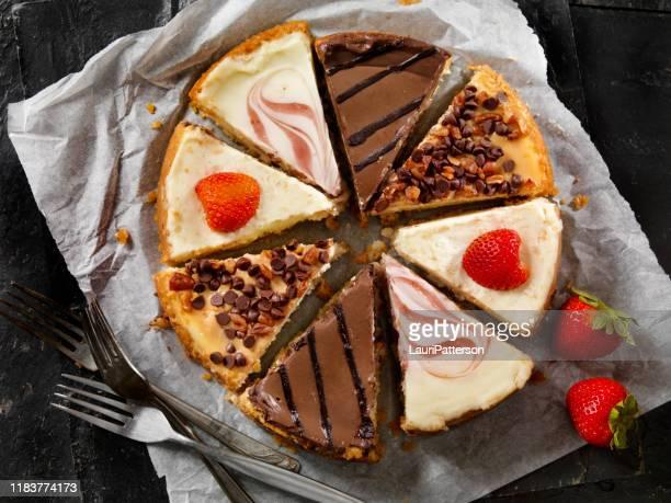 お気に入りのチーズケーキは何ですか - ケーキ ストックフォトと画像