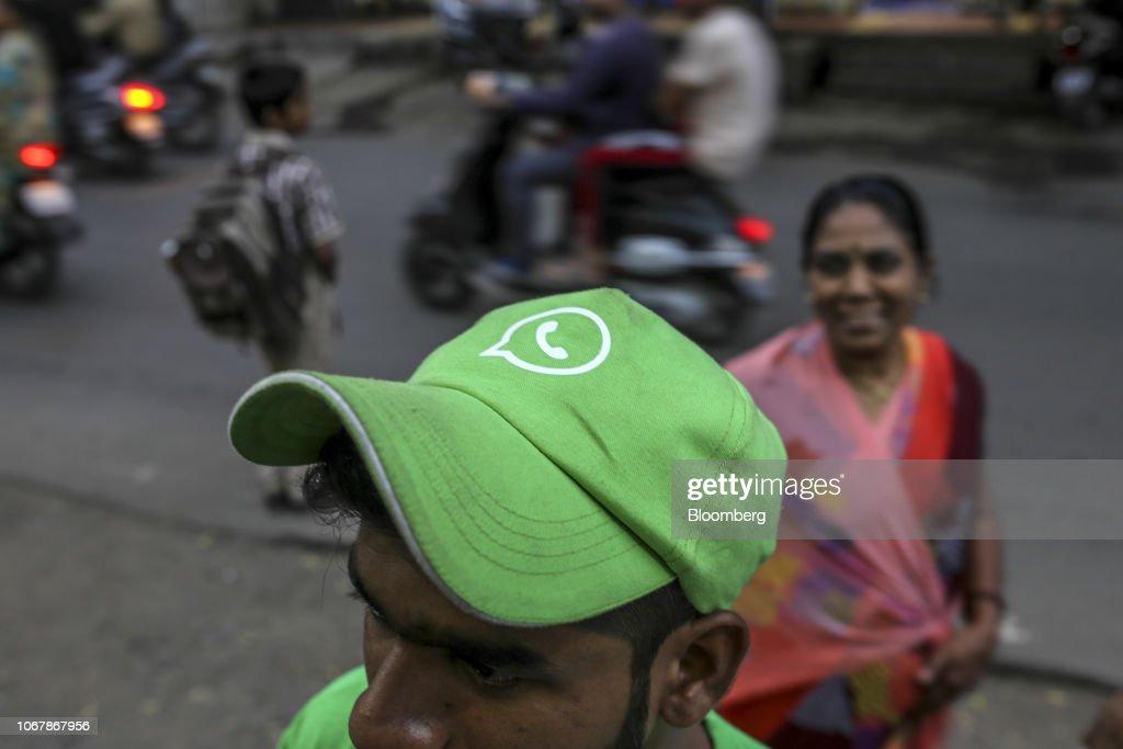 How Facebook Uses WhatsApp Phones' to Tap Next Emerging Market : Nachrichtenfoto