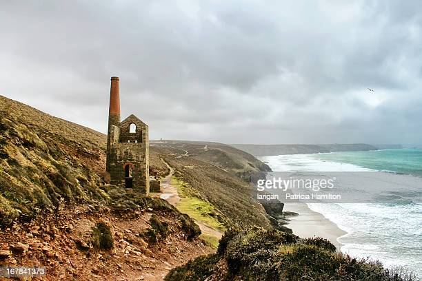 wheal coates abandoned tin mine - isles of scilly stock pictures, royalty-free photos & images